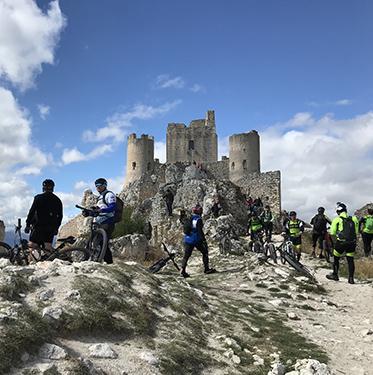 Basciano bike Rocca Calascio bici